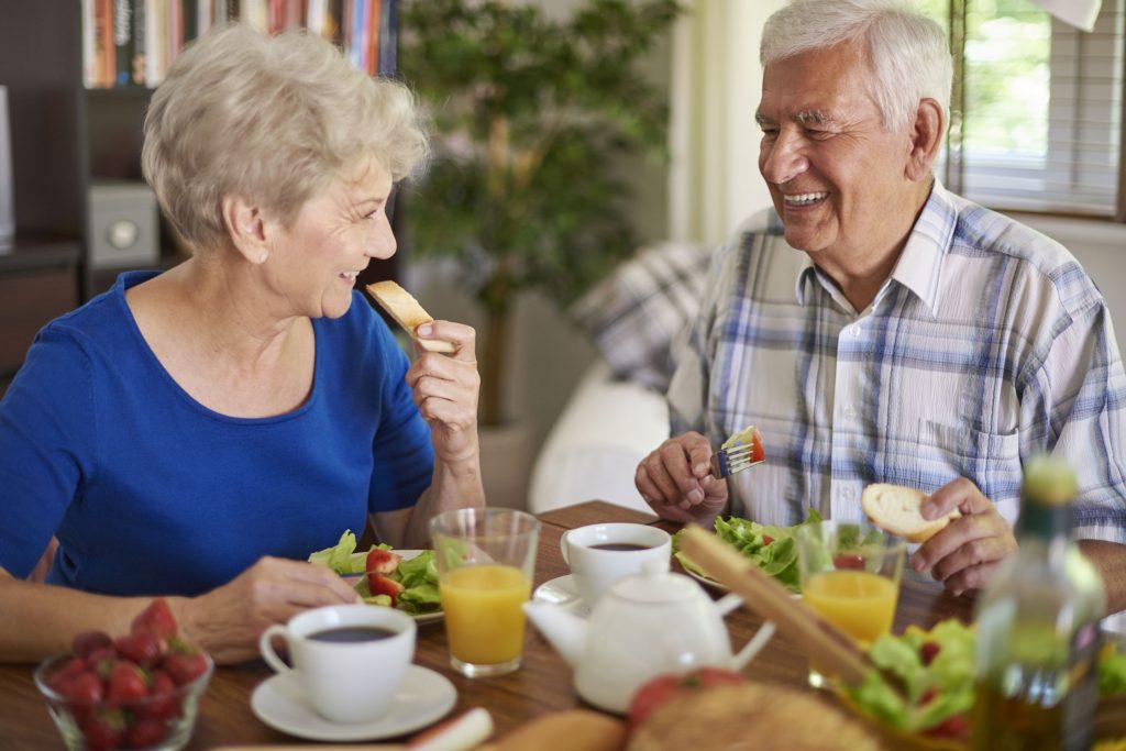 Tips dan Cara Diet Sehat Saat Menginjak Usia 50 Tahun